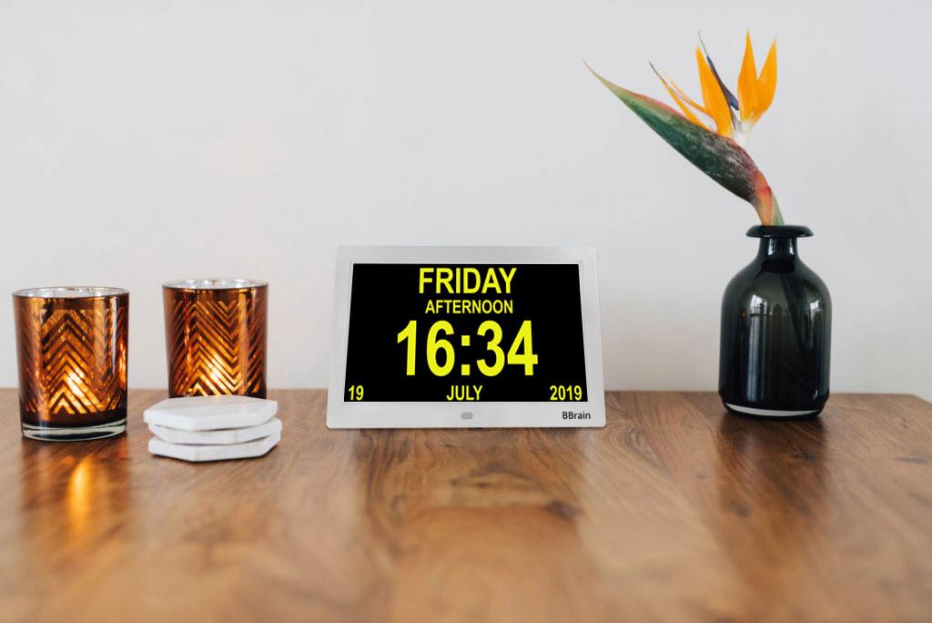 Banner Basic Digital Calendar Clock Visually White